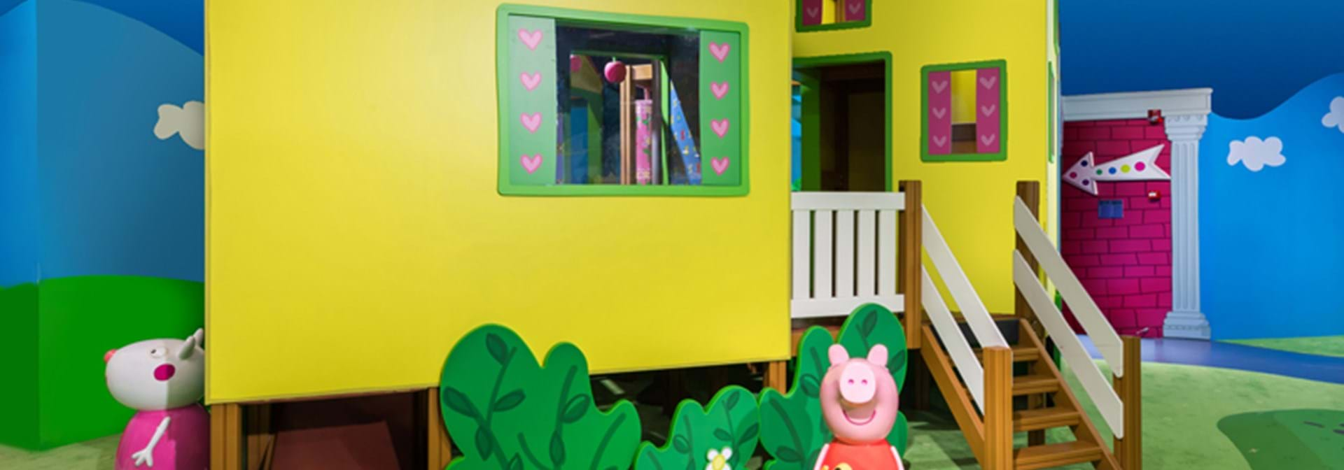 Peppas Pig Treehouse Hero